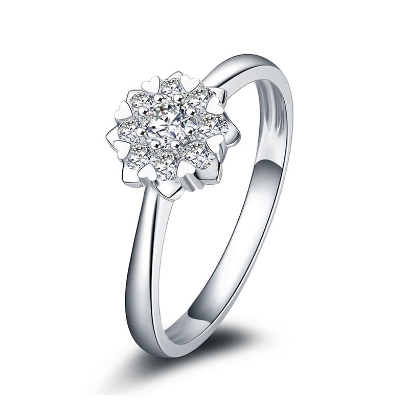 爱绽放 白18K金钻石女戒 结婚钻戒 新年礼物