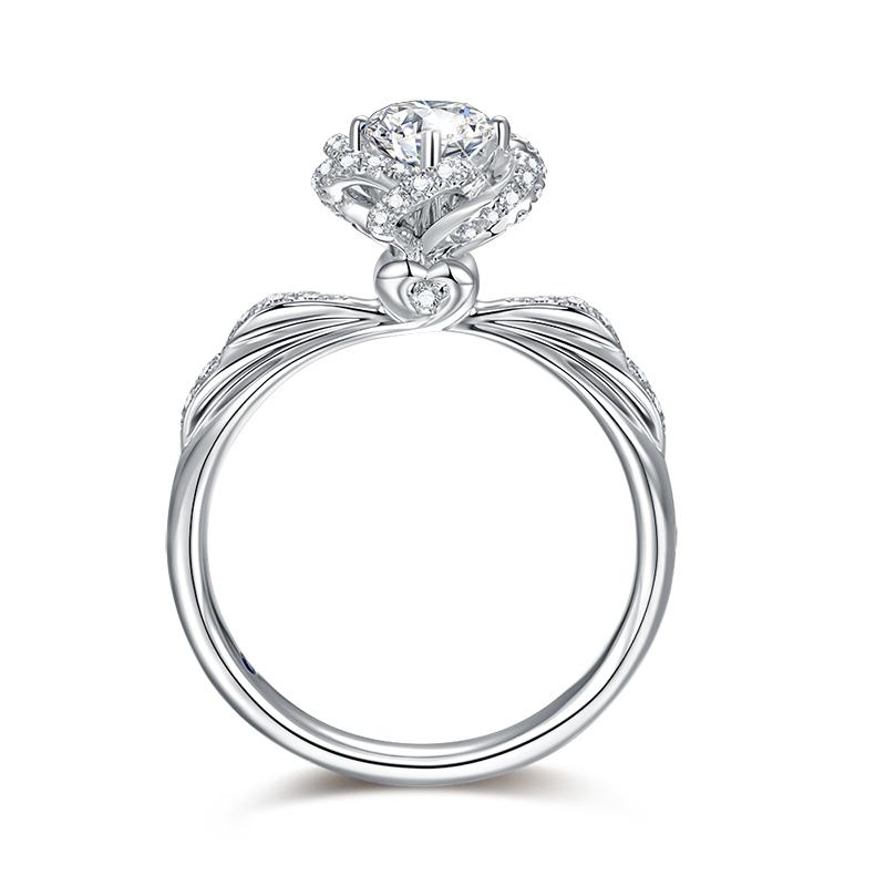 玫瑰之吻 18K金钻石女戒-皇室公主