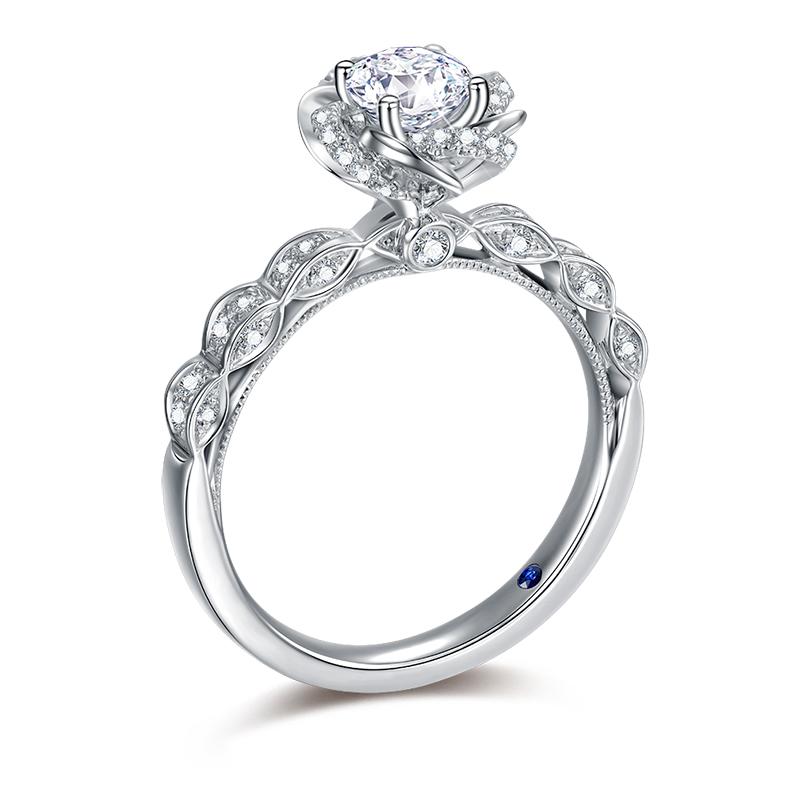蔷薇之恋 18K金钻石女戒-皇室公主